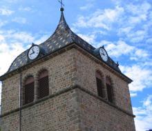 Le clocher à 4 cadrans de Longessaigne